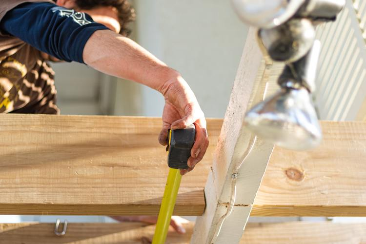Four tips for choosing a builder for your home renovation