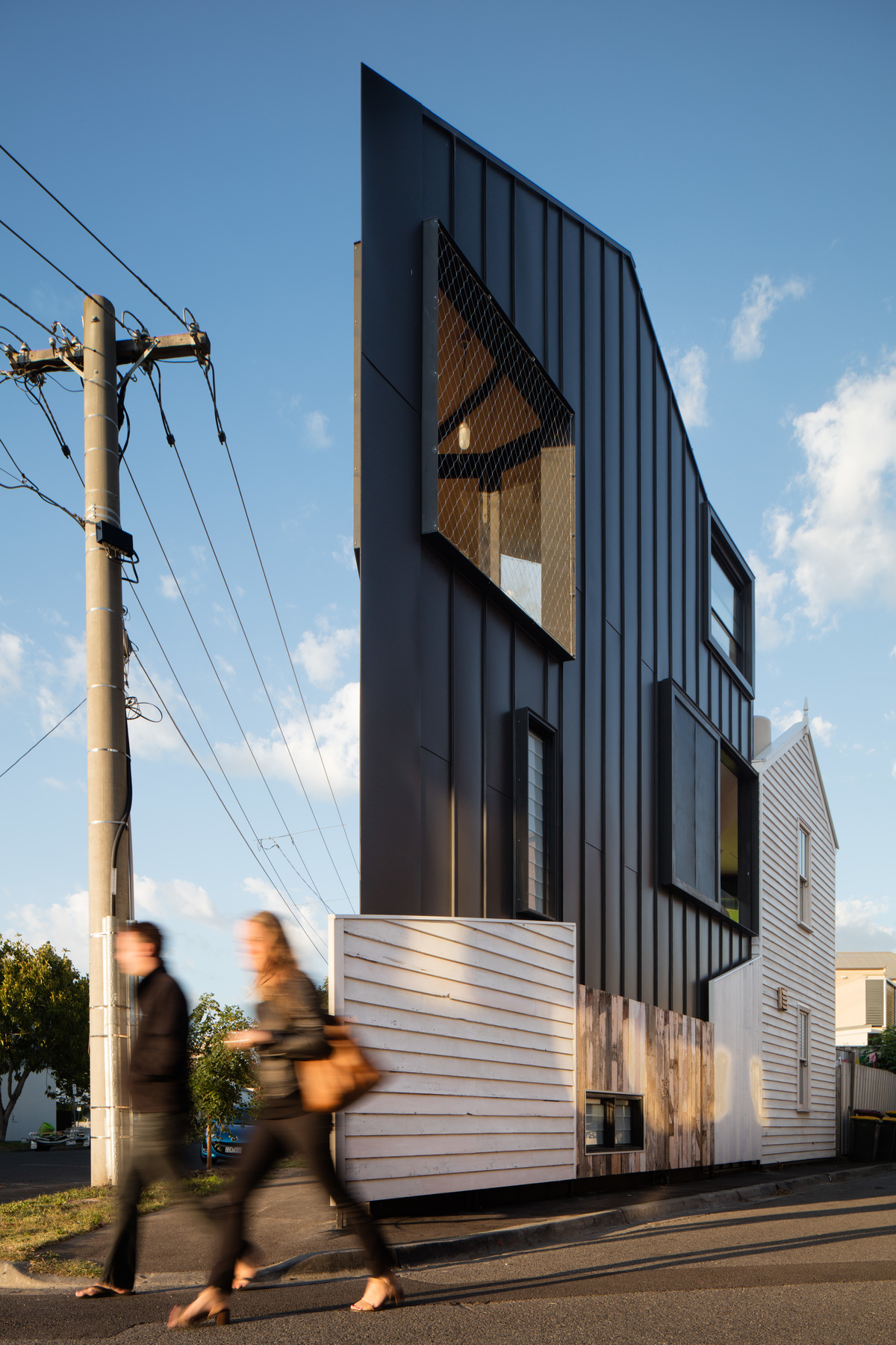 Acute House
