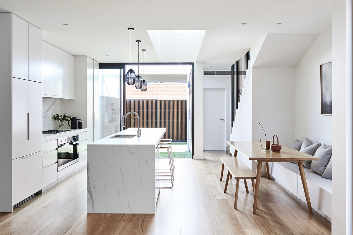 With a Tight Site, This Home Balances Indoor and Outdoor Space