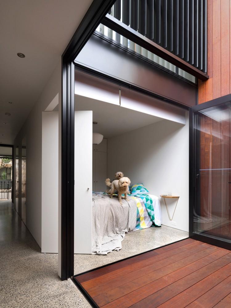 Alexandria House by Pivot (via Lunchbox Architect)