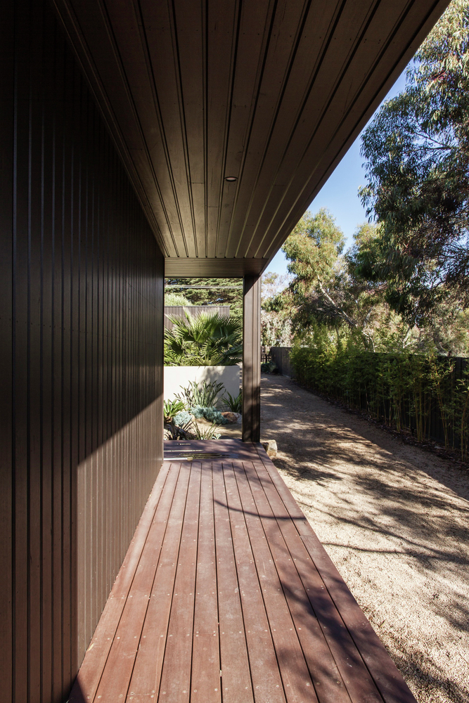Bass Street Residence by B.E Architecture (via Lunchbox Architect)