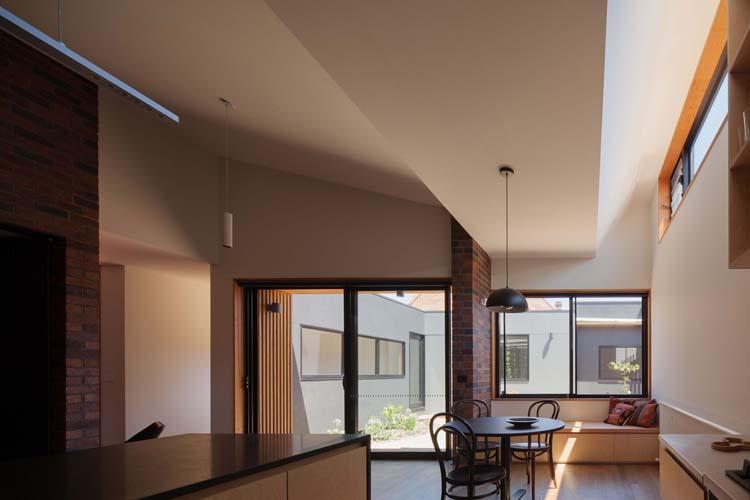 Bridge House 2 by Delia Teschendorff Architecture (via Lunchbox Architect)