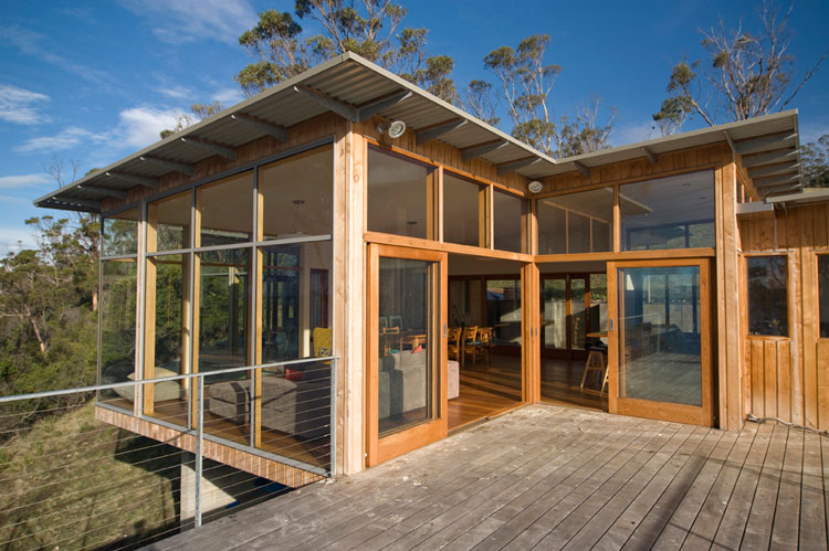 Bruny Shore House has a generous deck off the living area