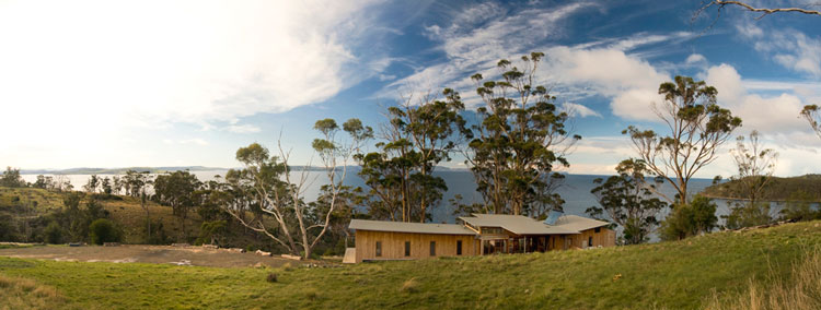 Bruny Shore House is set on a dramatic sloping site