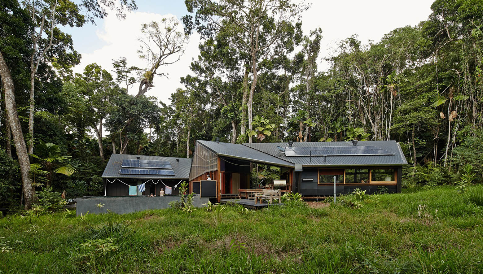 Off-the-grid tropical home by m3architecture (via Lunchbox Architect)