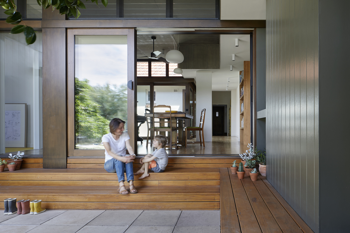 A Courtyard Deck the Perfect Way to Combine Old and New at this Home
