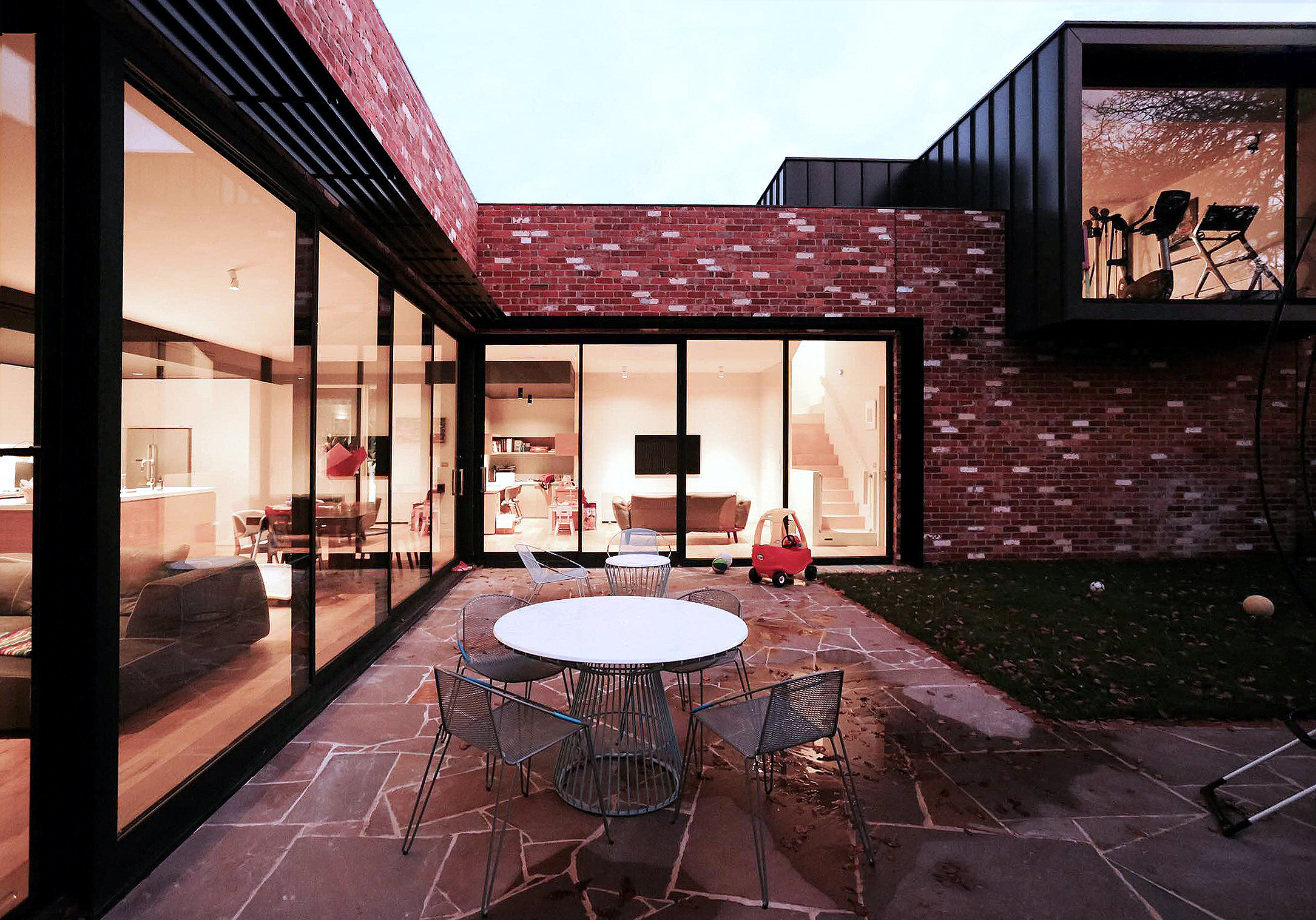 Crocker Street House by Moloney Architects (via Lunchbox Architect)