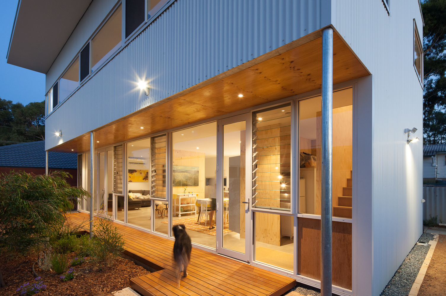 A Compact, Sustainable and Affordable Alternative to Project Homes
