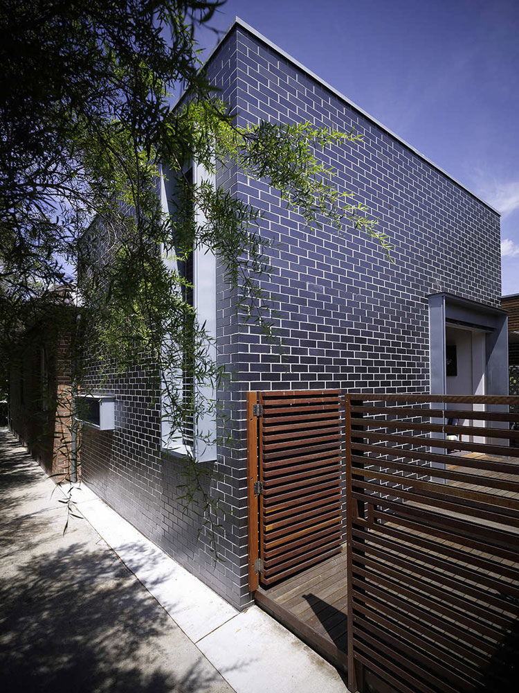 Haberfield House rear extension is built from glazed bricks
