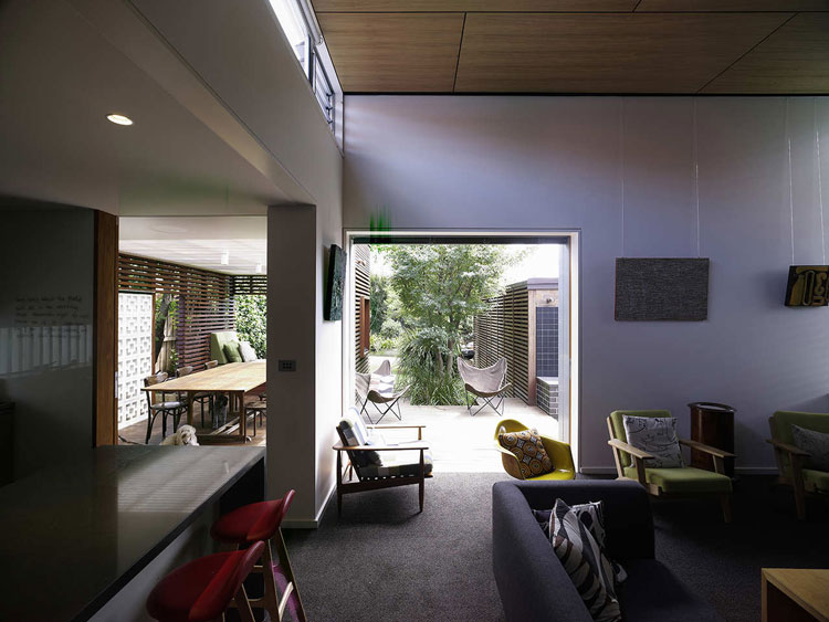 Haberfield House opens onto a garden and a clerestory window lets light into the living area
