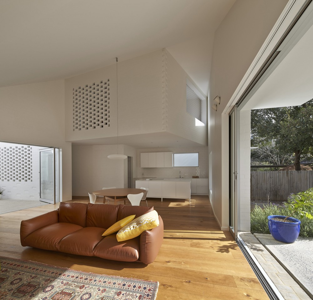 Inner City Courtyard House by Bennett and Trimble Architects (via Lunchbox Architect)