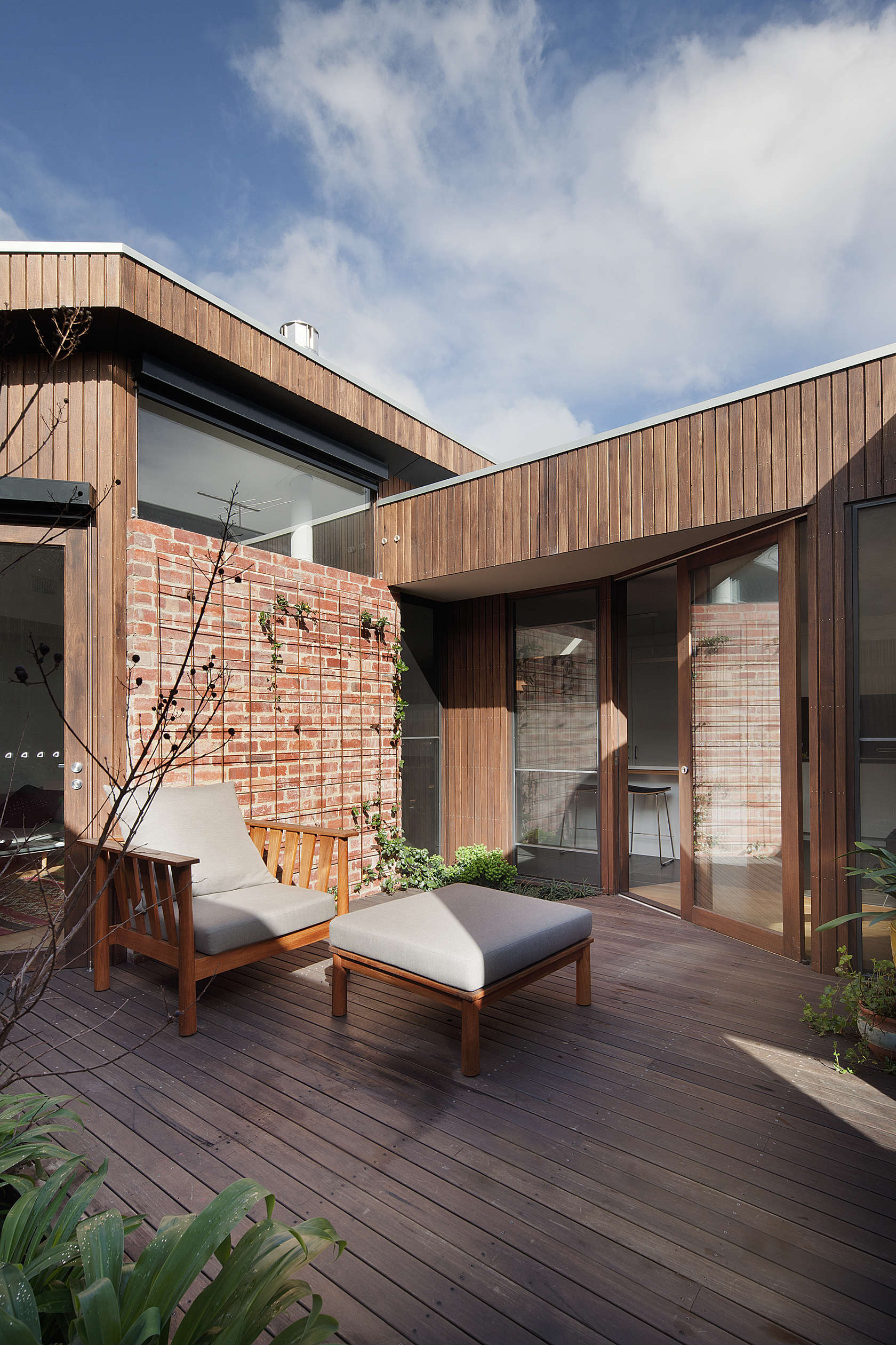 Inner City Downsize House by Steffen Welsch Architects (via Lunchbox Architect)