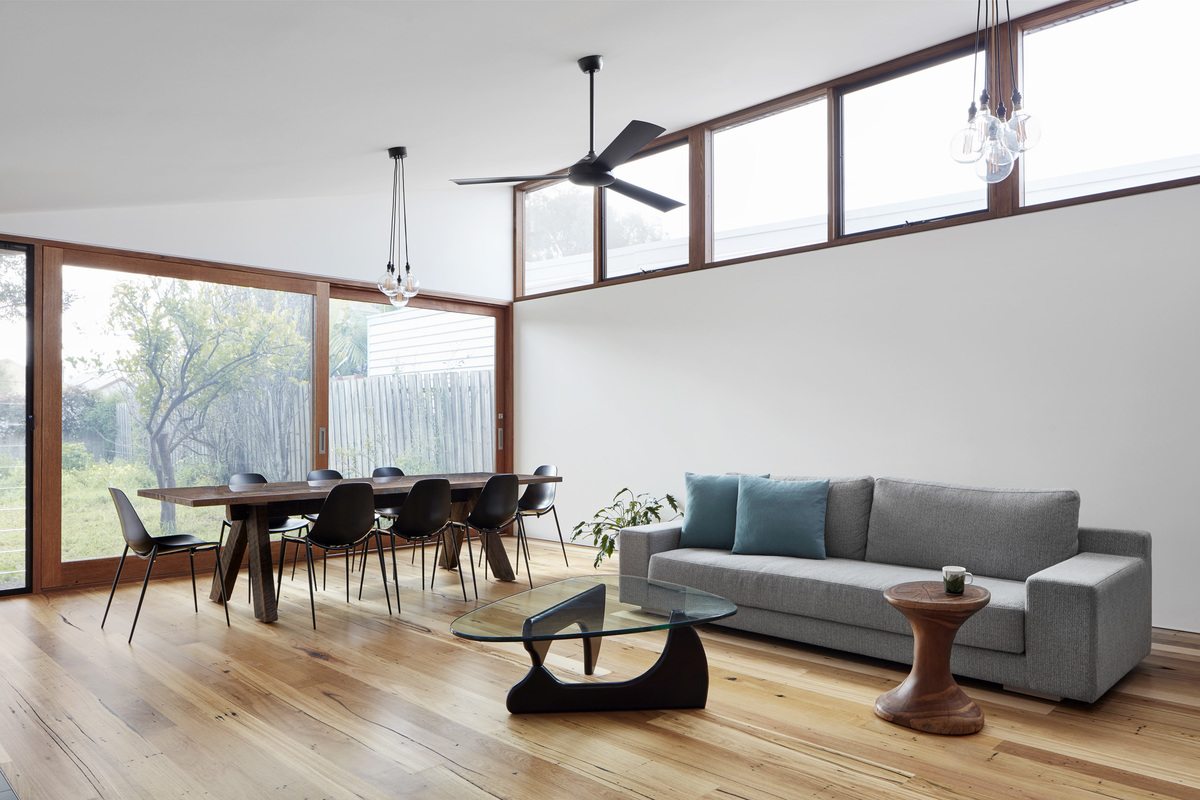Light-Filled and Unfussy Home to Relax in After a Busy Work Day