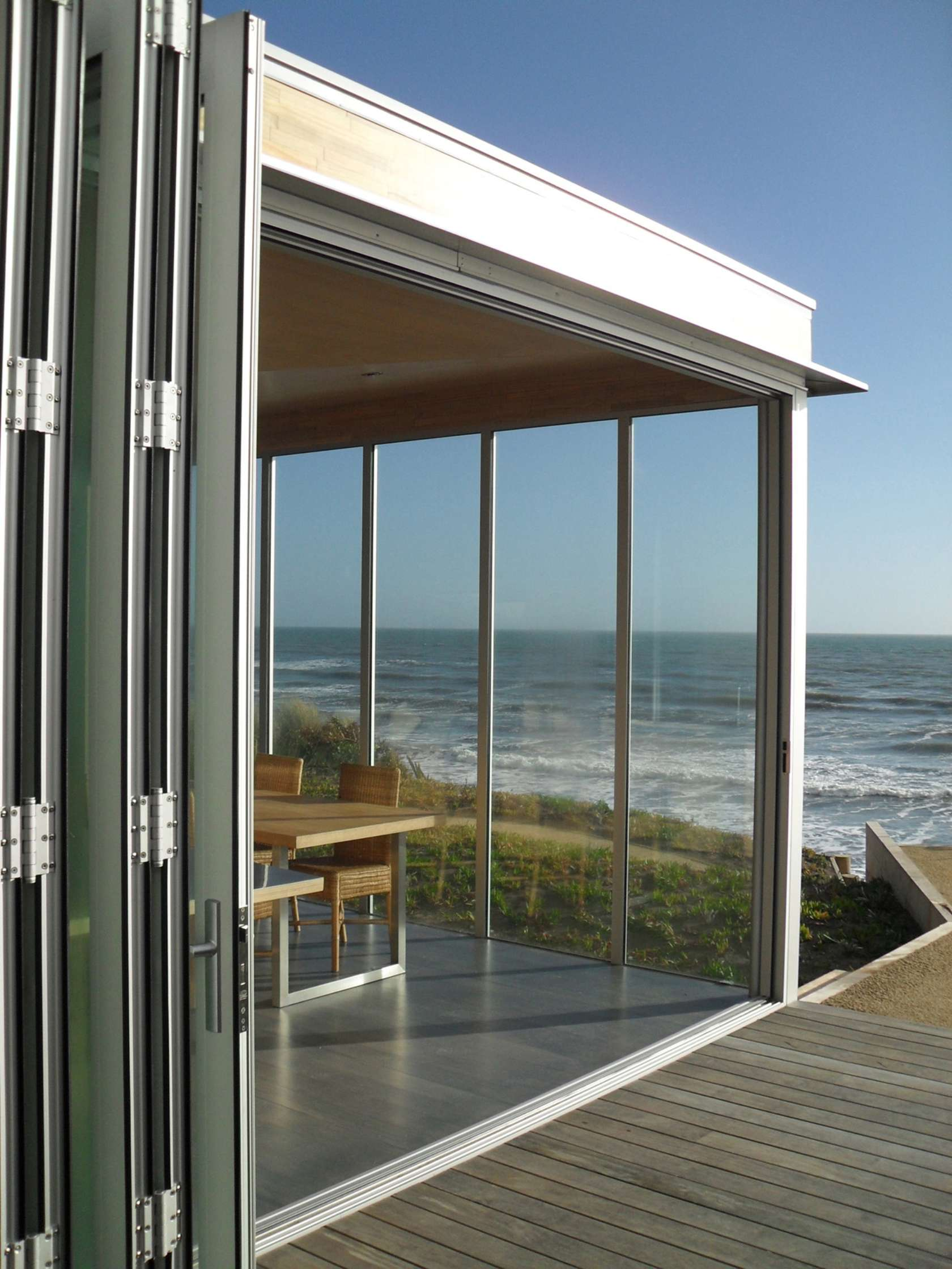 Kapiti Beach House by Geoff Fletcher Architects (via Lunchbox Architect)