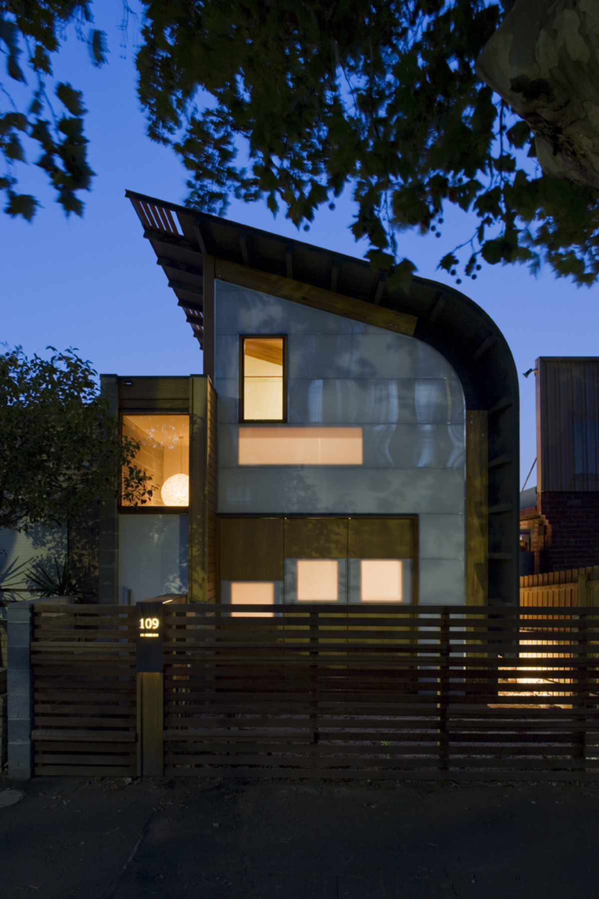 Ingenious 'Sun Shells' Grab Light and Reflect It Deep Into This Home