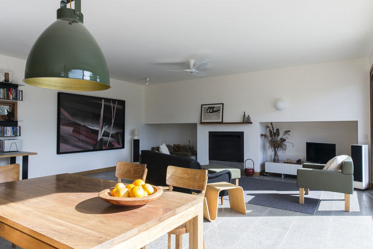 Leura Lane House living and dining areas receive a lot of natural light