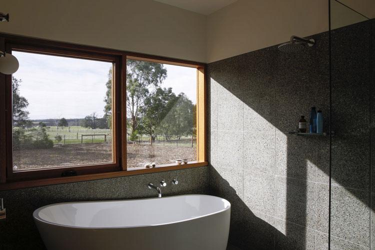 Leura Lane House bathroom overlooks the landscape