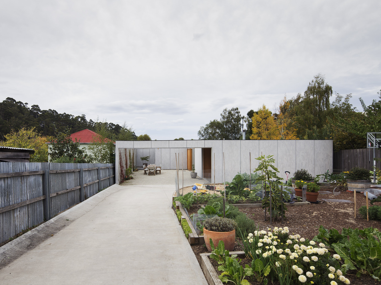 A Courtyard for Outdoor Living Helps a Hobart Family to Downsize