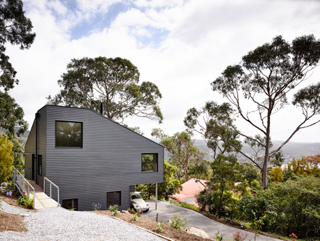Lorne Hill House by Will Harkness Architecture (via Lunchbox Architect)
