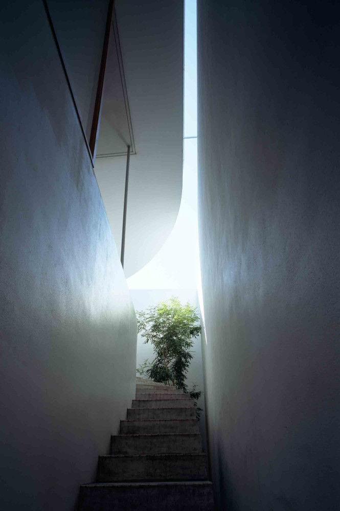 Love House by Takeshi Hosaka (via Lunchbox Architect)