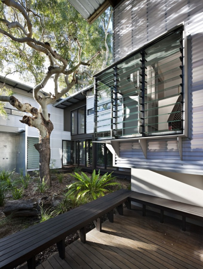Marcus Beach House by Bark Design Architects (via Lunchbox Architect)