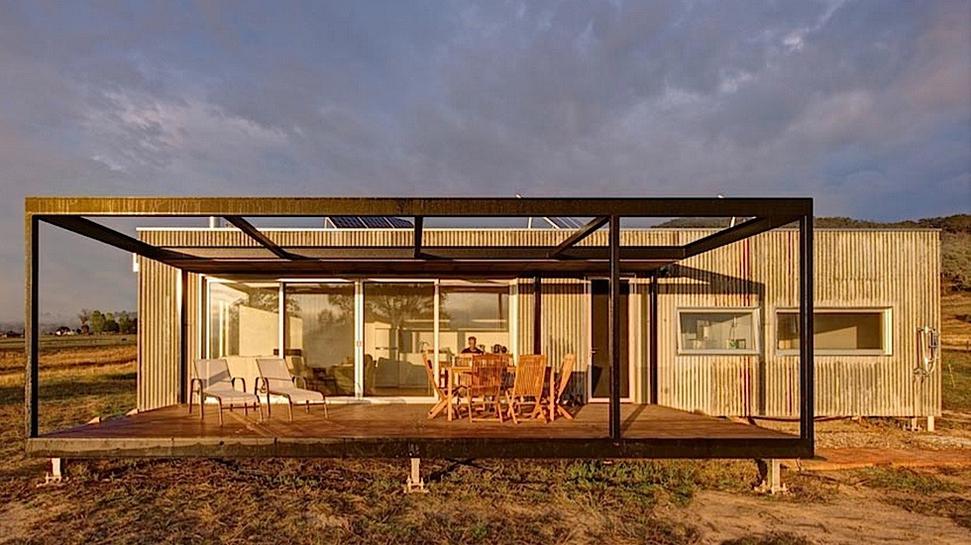 Self Sufficient Cabin by Modscape (via Lunchbox Architect)