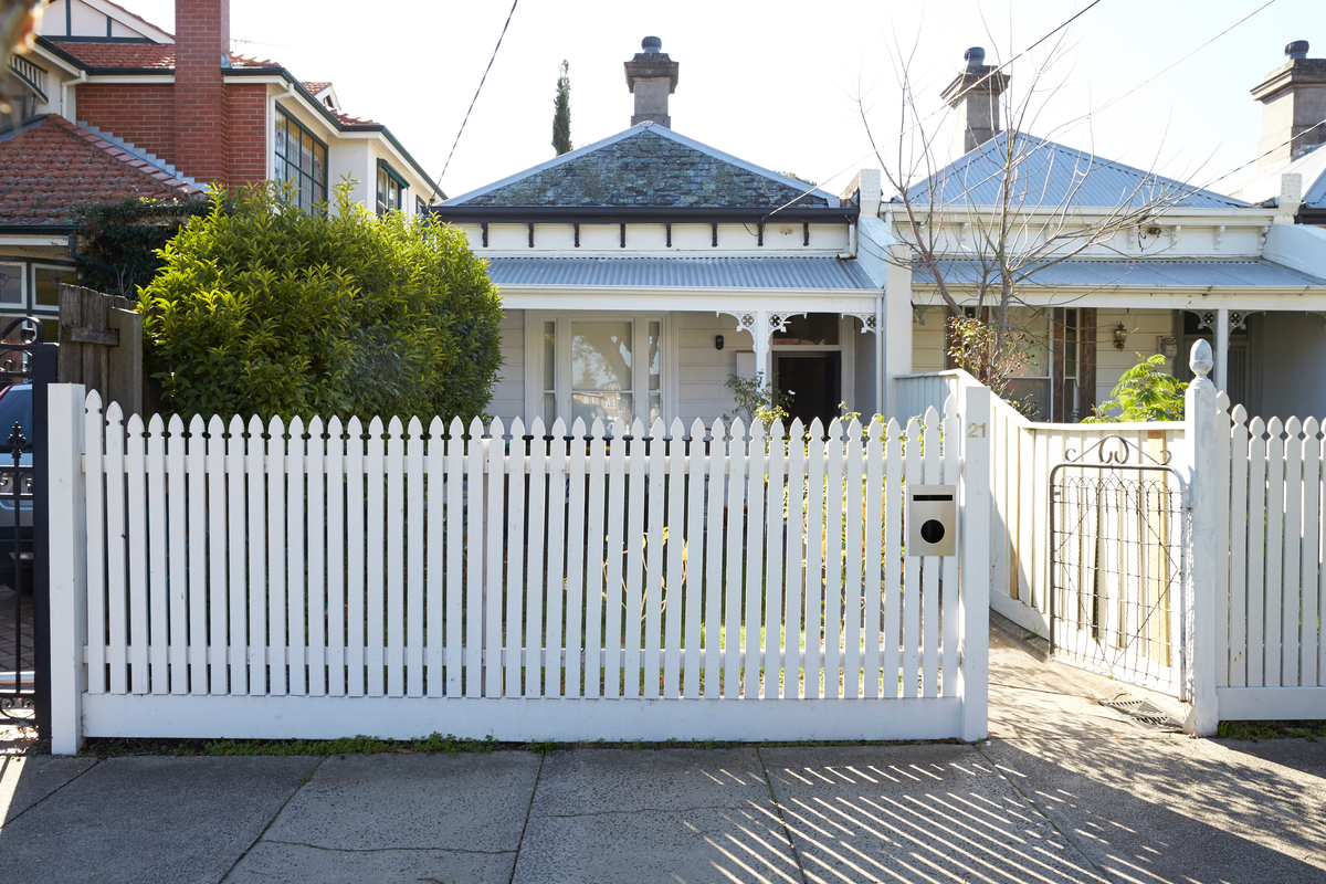 This Elsternwick Home Delights on a Narrow, Tightly Constrained Block