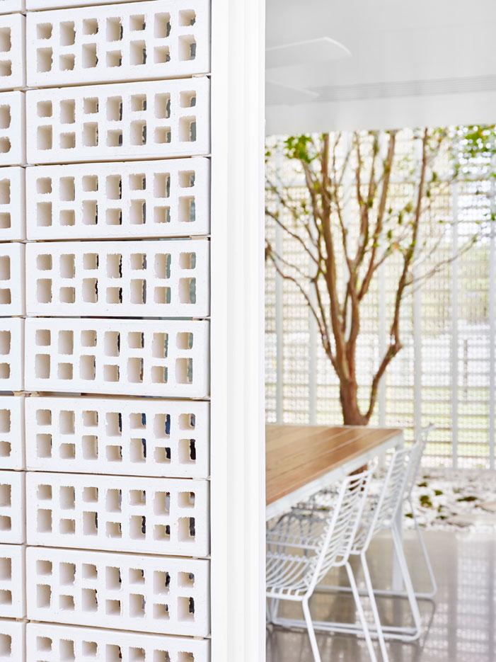 Naranga Avenue House: You Haven't Seen Breeze Blocks Like This Before