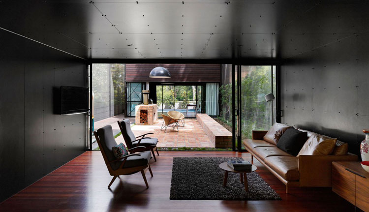 Oxlade Drive House by James Russell Architects (via Lunchbox Architect)