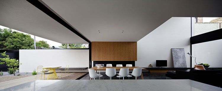 Peter Miglis House by Peter Miglis of Woods Bagot Architects (via Lunchbox Architect)