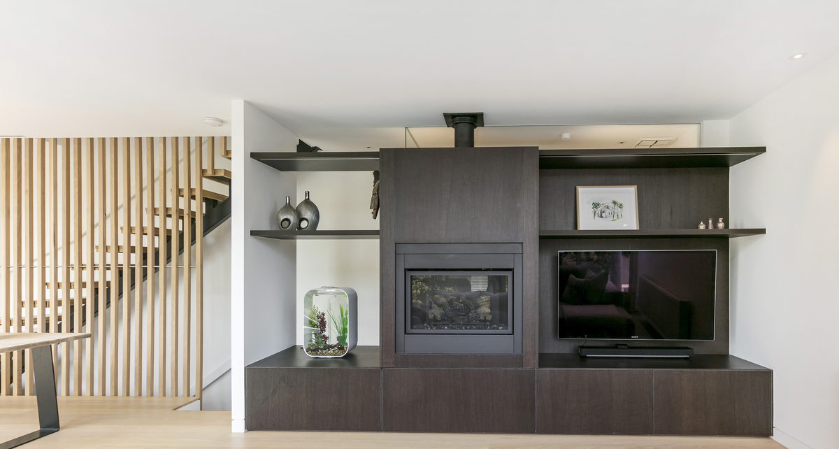 Former Milkbar Now a Light-filled Family Home Among the Treetops