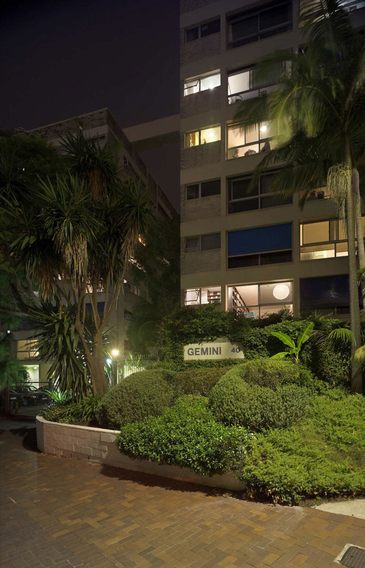 Potts Point Apartment is in one of renowned architect, Harry Siedler's buildings