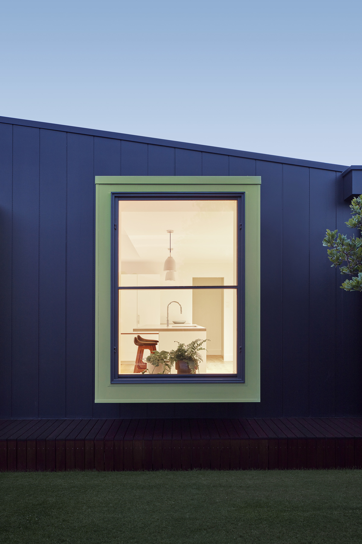 A House That Shows Us a Lean-To Can Be a Blessing, Not a Curse