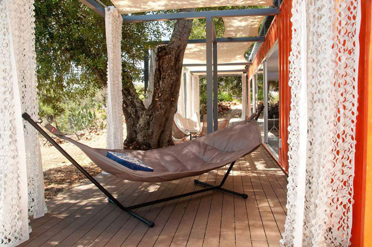 Shipping Container Guest House Portugal by Studioarte (via Lunchbox Architect)