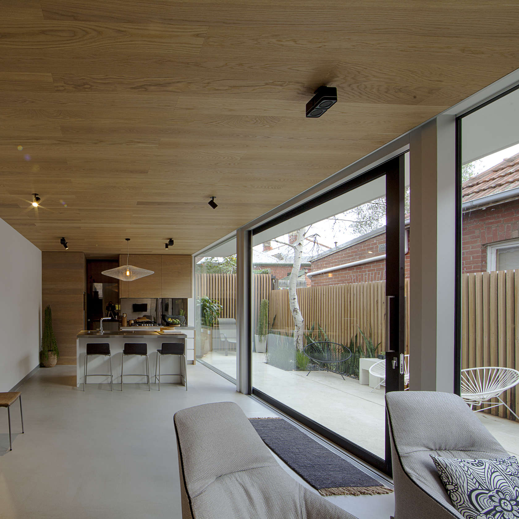 Skin-Box House by Man Architects (via Lunchbox Architect)