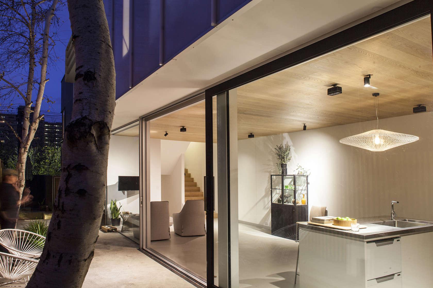 Skin-Box House by Man Architects (via Lunchbox Architect)