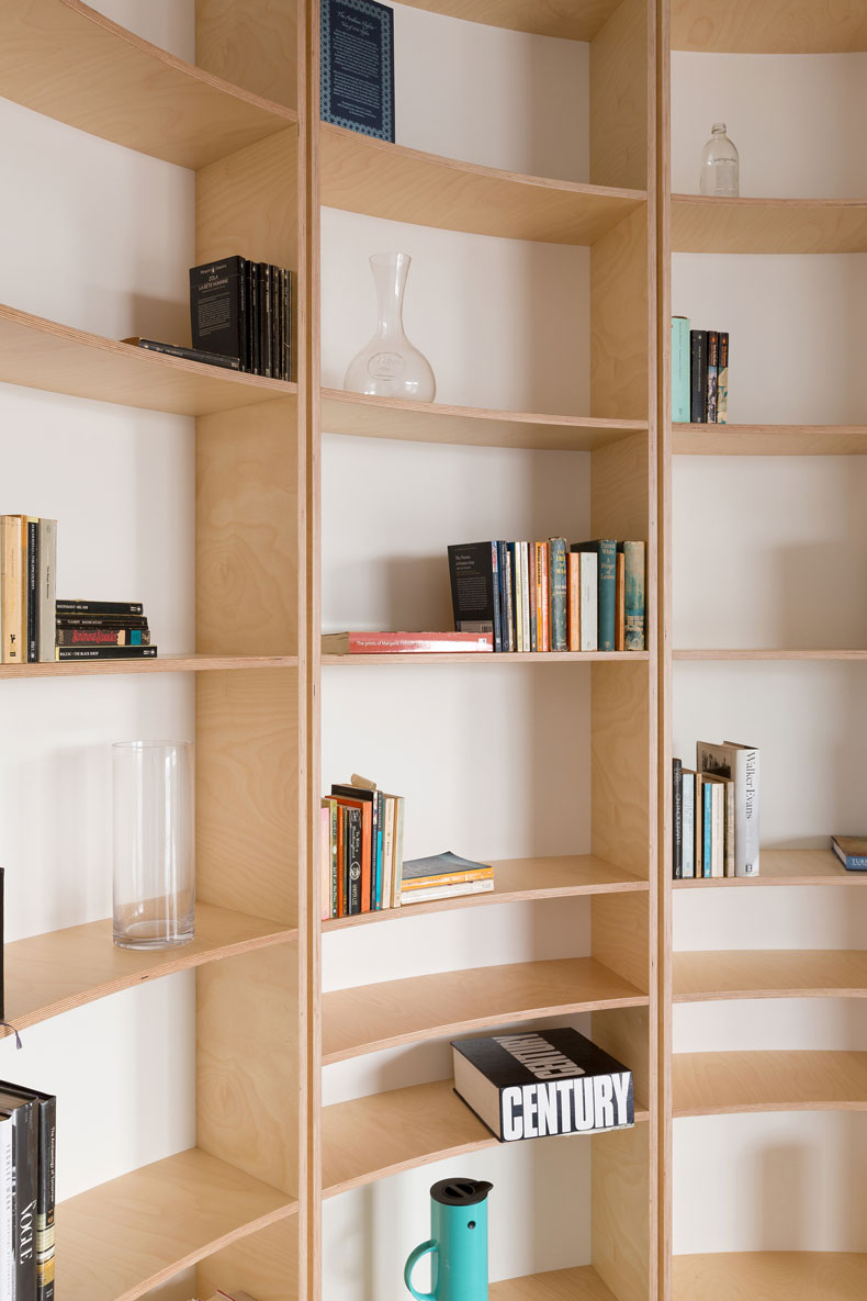 Close up of the curved bookshelf in the Southern Highlands House