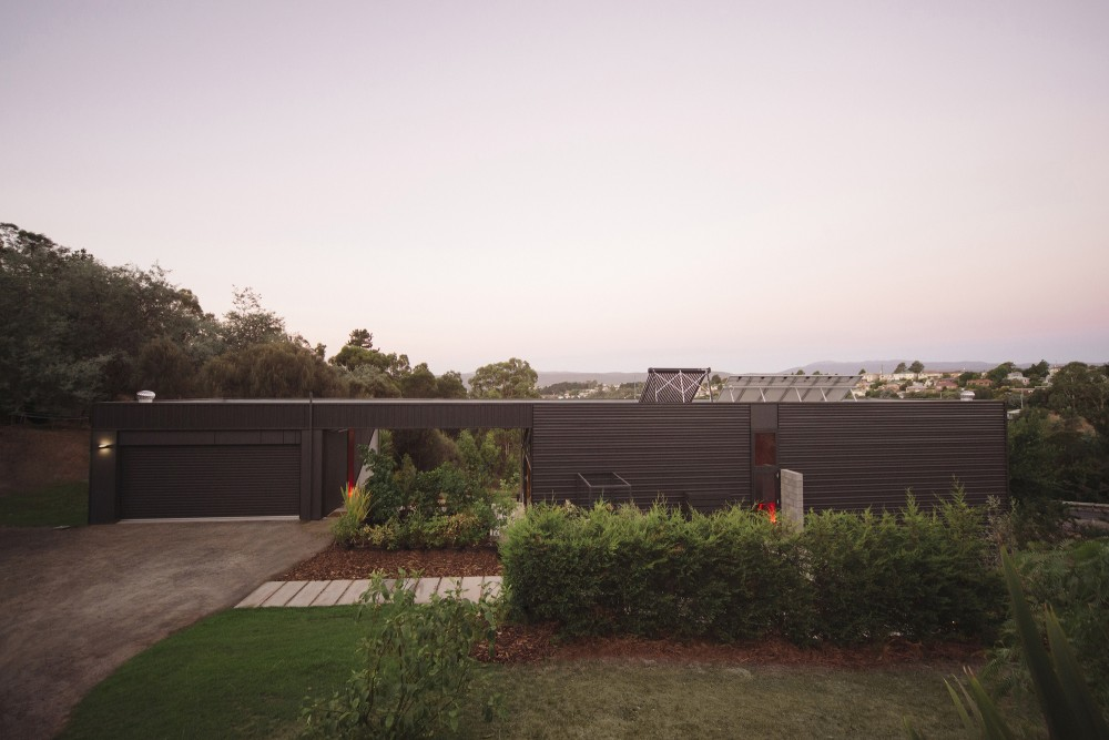 Southern Outlet House by PMD Architects (via Lunchbox Architect)