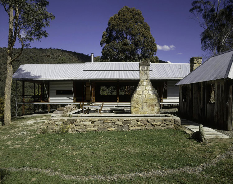 St Albans House by CplusC Architectural Workshop (via Lunchbox Architect)