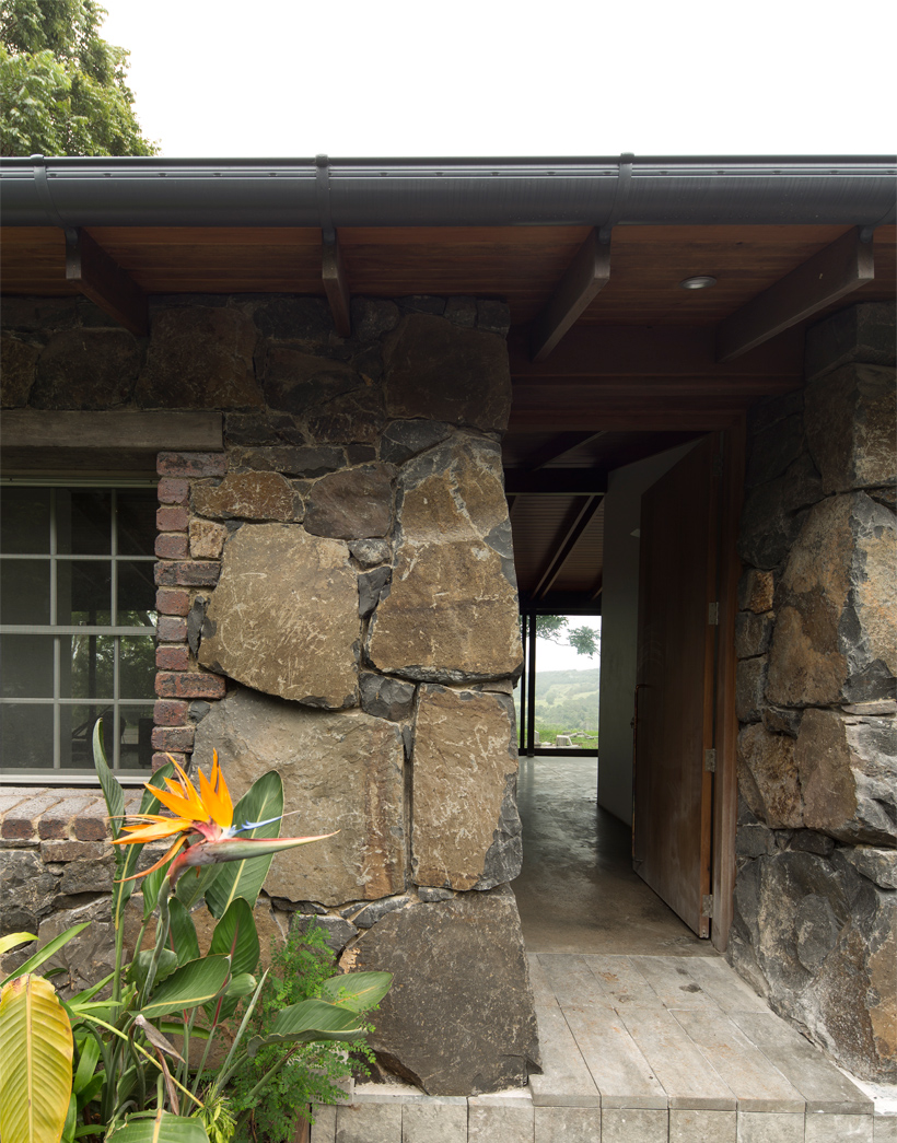 Stone Cottage by CHROFI Architects (via Lunchbox Architect)