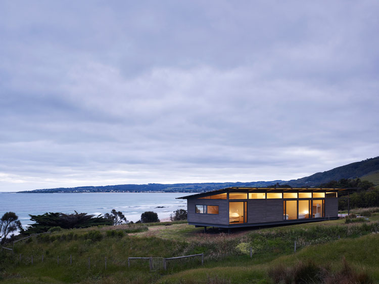 Sugar Gum House sits where the foothills of the Otways meets the surf and glows as the sun sets