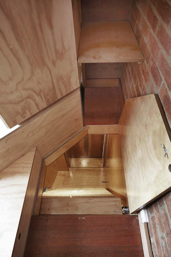 Tardis by Edwards Moore Architects (via Lunchbox Architect)