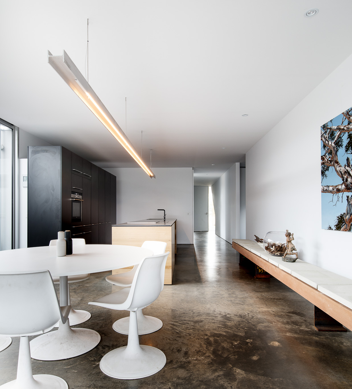 An Urban Take on the Traditional Aussie Beach House in Torquay