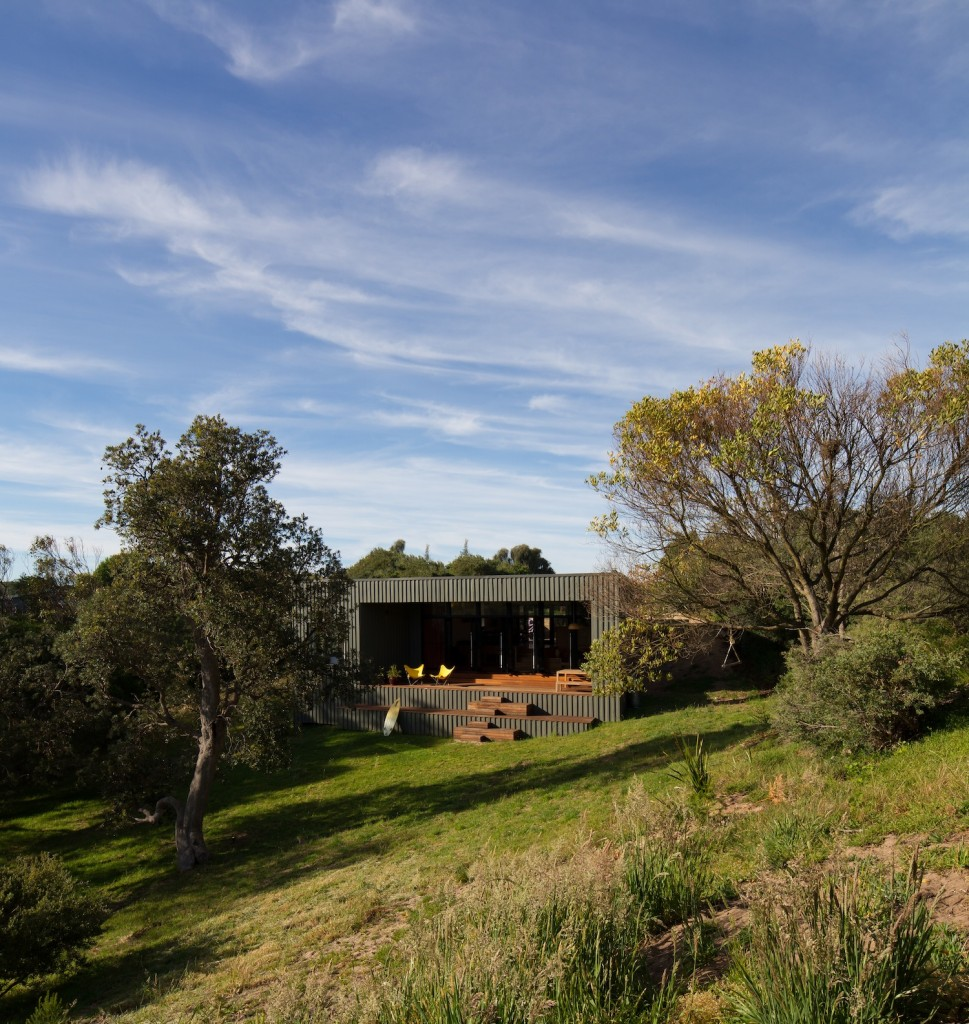 Venus Bay Bach by MRTN Architects (via Lunchbox Architect)