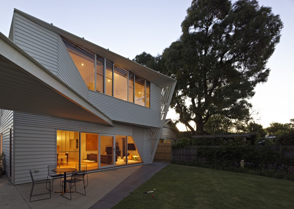 Weatherboard House by FMD Architects (via Lunchbox Architect)
