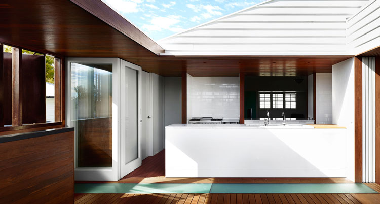 White Avenue Weatherboard House Extension