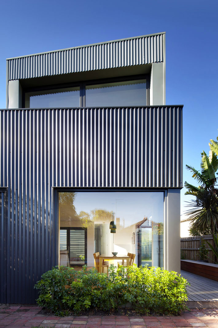 Corrugated iron rear cladding of Yarra Street House