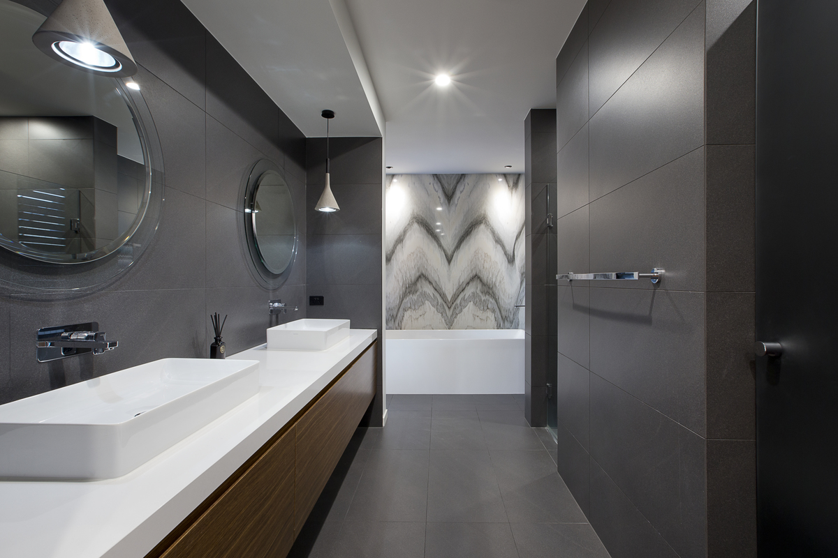 From 39 80s dated to 39 60s modern gold coast home transformed for Bathroom designs qld