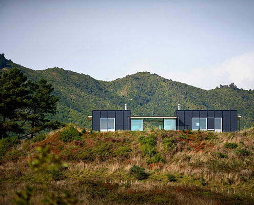 Pekapeka Holiday House by Parsonson Architects (via Lunchbox Architect)