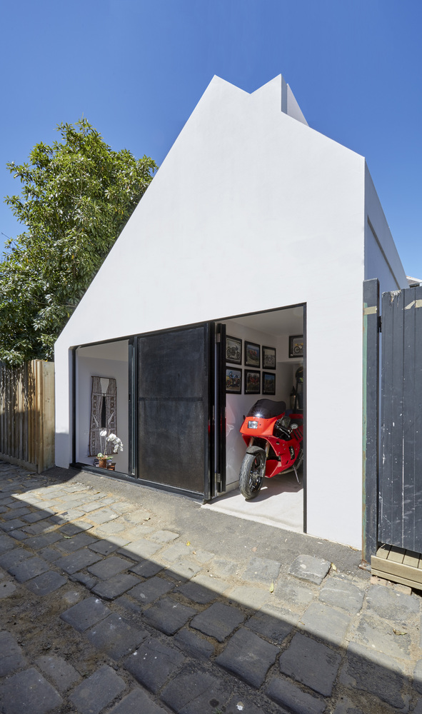 One clever idea turned a dodgy little light well into an for Idea homes austin